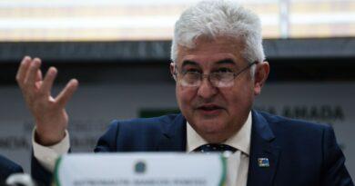 """Ministro pede que corte no orçamento seja revisto """"urgentemente"""""""